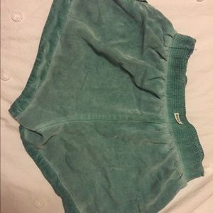 Green Roxy shorts! Perfect for summer by the water